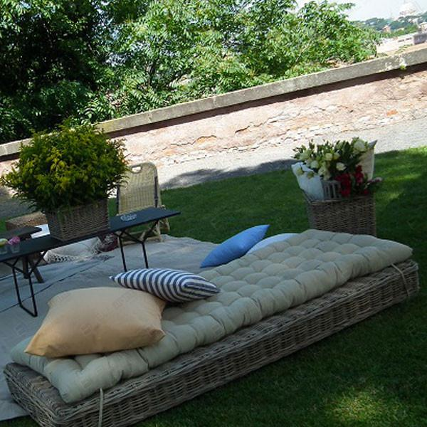 DAYBED IN RATTAN CON CUSCINO