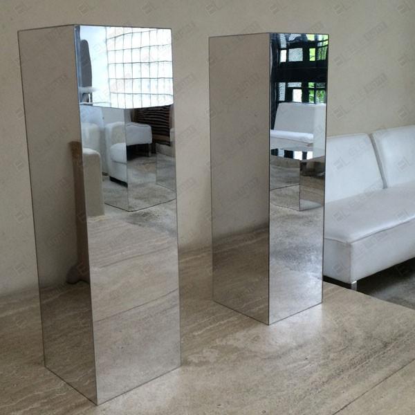 mobili specchiati