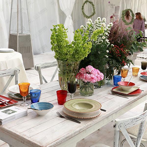 tavolo BAKU con sedia CROSS decapata bianca