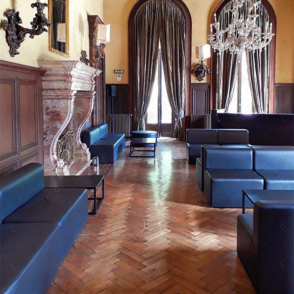 HOUSTON poltrona nera e con RAMBLA tavolo nero 100x70