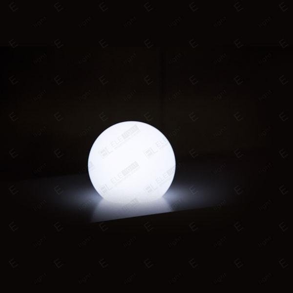NOLEGGIO LAMPADA A SFERA LUMINOSA CON LED RGB IN POLIETILENE 30CM