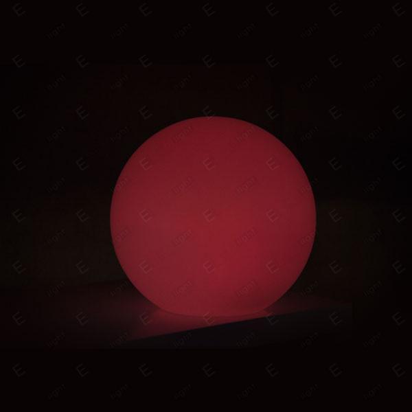 LAMPADA A SFERA LUMINOSA CON LED RGB IN POLIETILENE