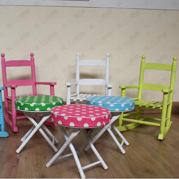 Dondolo sedia a dondolo colorata per bambini ele light for Sedia a dondolo verde