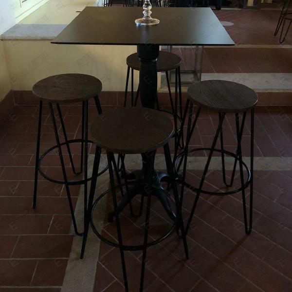 Sgabello Royale e tavolo Royale